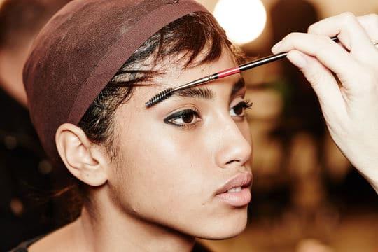 Hairspray eyebrows